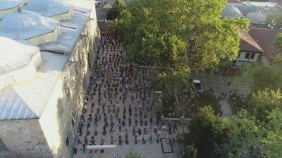 Bursa'da tarihi camiler doldu taştı