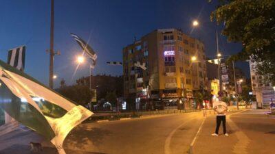 Şampiyonluk ateşini yaktılar… Tüm ilçe Bursaspor bayraklarıyla donatıldı…