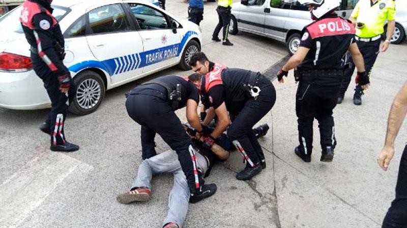 Yer: Bursa… Polise direnip motosikleti kaçırmaya çalıştılar