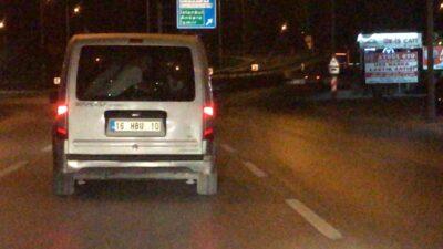 Koronayı hiçe saydılar hafif ticari araçla 8 kişi gezdiler