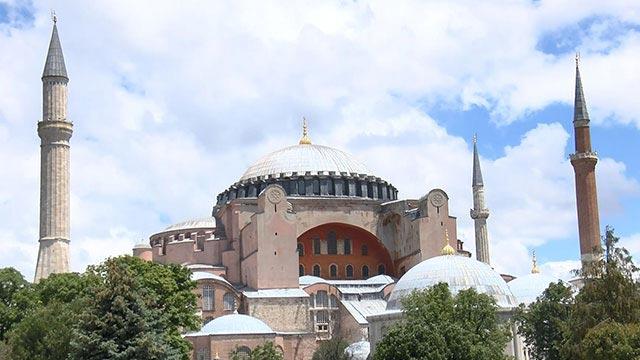 Ayasofya'nın planları 'Ayasofya Camii ve Külliyesi' olarak değiştirildi