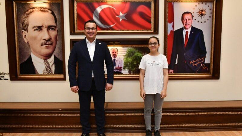LGS şampiyonları Başkan Kanar'ı ziyaret etti