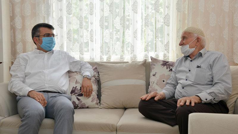 Başkan Yılmaz, Akif Amca'ya misafir oldu