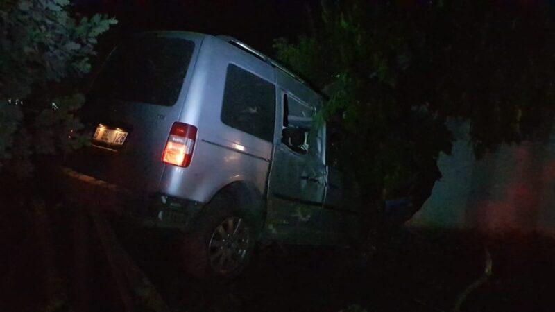 Bursa'da kontrolden çıkan araç kaza yaptı