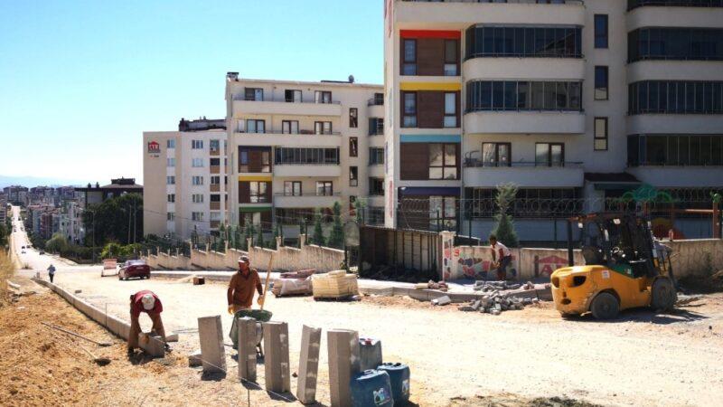 Osmangazi'de kaldırımlar yenileniyor