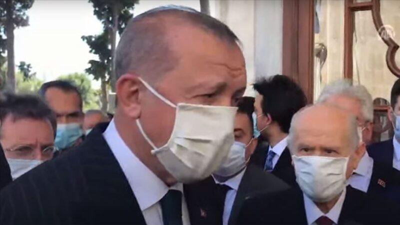Cumhurbaşkanı Erdoğan ve Bahçeli'den Fatih'in türbesine ziyaret!