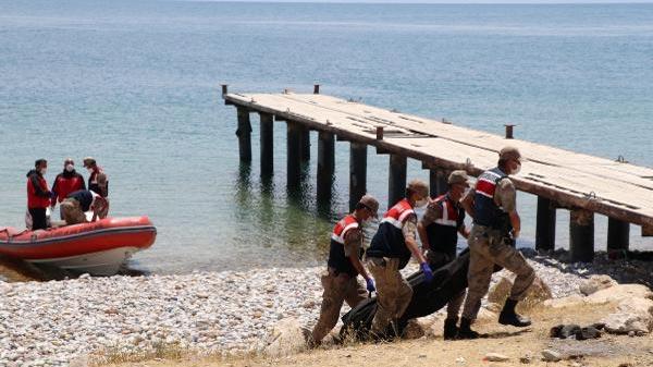 Van Gölü'ndeki tekne faciasında can kaybı 26'ya yükseldi