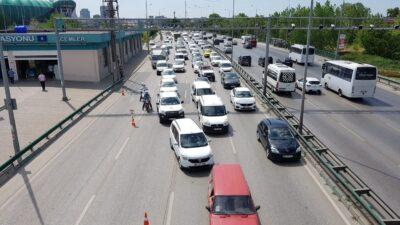 Bursa trafiğini felç eden kaza! Böyle görüntülendi