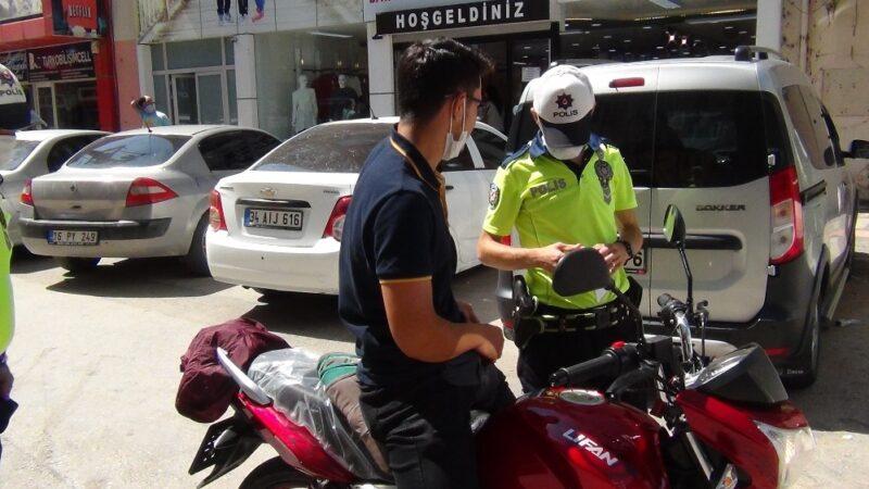 Bursa'da yeni aldığı motosikletiyle ters yöne girince ceza yedi