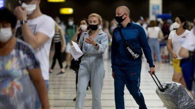 Antalya'ya iki günde yaklaşık 40 bin Rus turist geldi