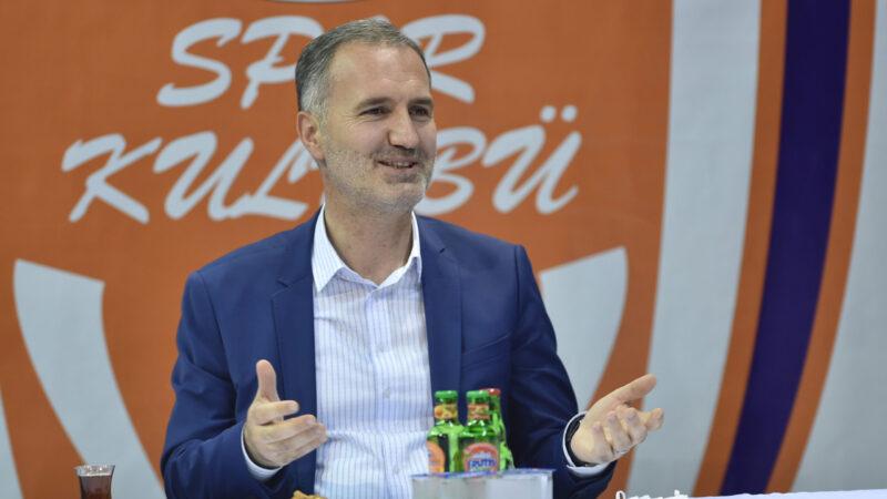 İnegöl Belediyespor'da, Belediye Başkanı Alper Taban güven tazeledi