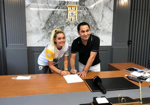 Survivor Aycan sözleşme imzaladı! Bakın hangi takımla anlaştı?