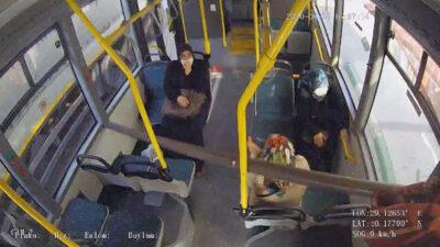 Bursa'da otobüste korku dolu anlar! Kıl payı kurtuluş kamerada…