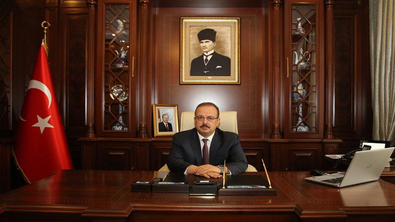 Bursa Valisi Canbolat'tan Zafer Bayramı mesajı