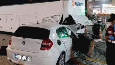 Bursa'daki düğünden dönüyorlardı… Feci kaza: 1 ölü, 4 yaralı