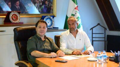 Bursaspor'da yeni görevlendirmeler… Sportif direktörlük ile altyapının başına…