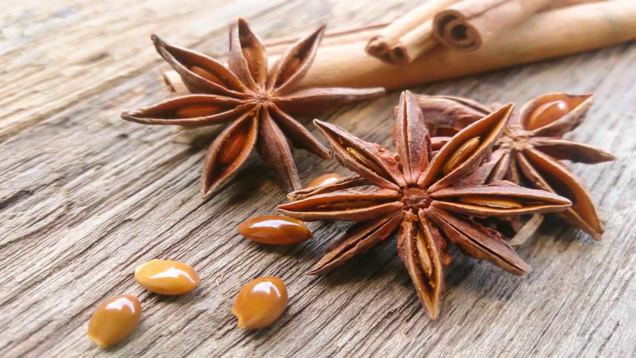 Bu Bitkiyi Kırışıklık Estetik Kremleri Yerine Kullanın!