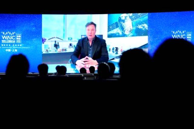 Elon Musk yeni buluşunu tanıttı! Beyne çip takılarak…