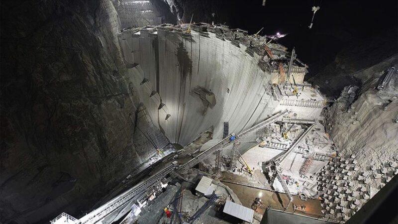 Türkiye'nin en yüksek barajında son 50 metre