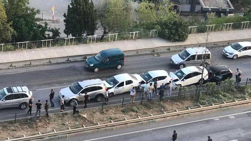Bursa'da zincirleme kaza: Çok sayıda araç birbirine girdi
