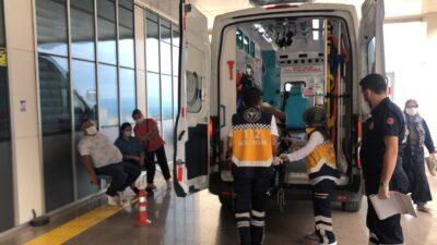 Bursa'da kamyon, çarptığı otomobili metrelerce sürükledi