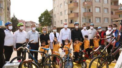 İnegöl'ün bisiklet yolu bisiklet etkinliği ile hizmete girdi