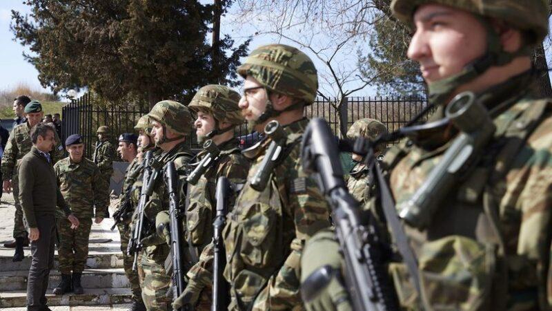 Yunanistan'da zorunlu askerlik süresi uzuyor