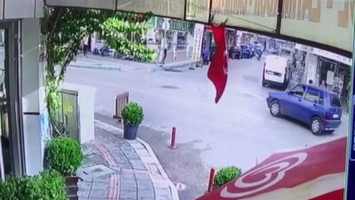 Bursa'da inanılmaz olay…Kapı açıldı çocuk böyle düştü