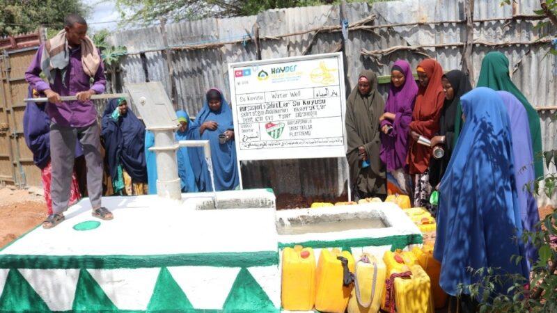 Bursasporlu taraftarlar Somali'de iki su kuyusu açtırdı