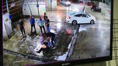 Bursa'da ilk önce dövdüler, sonra kaçırdı…O anlar kamerada