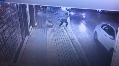 Bursa'da minibüsün çarptığı kız kameralara böyle yansıdı