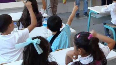 Bursa'da öğrenciler için ilk ders zili çalıyor