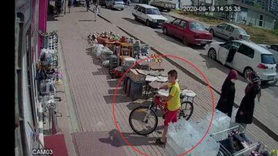 Bursa'da kendi bisikletini bırakıp başka bisikleti çaldı linç edilmekten polis kurtardı