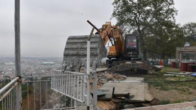 Uludağ Yolu'ndaki kaçak kafeterya yıkıldı