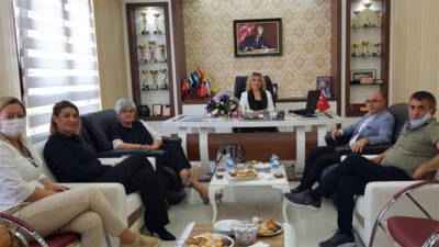 Canan Tarçın'dan Nilüfer'deki özel okul yöneticileriyle toplantı