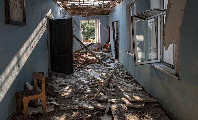 Azerbaycan'da köy okuluna saldırı! Ölü ve yaralılar var