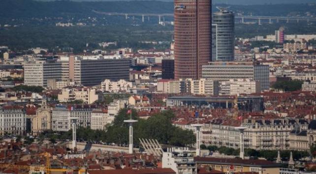Fransa'da 'bomba' alarmı