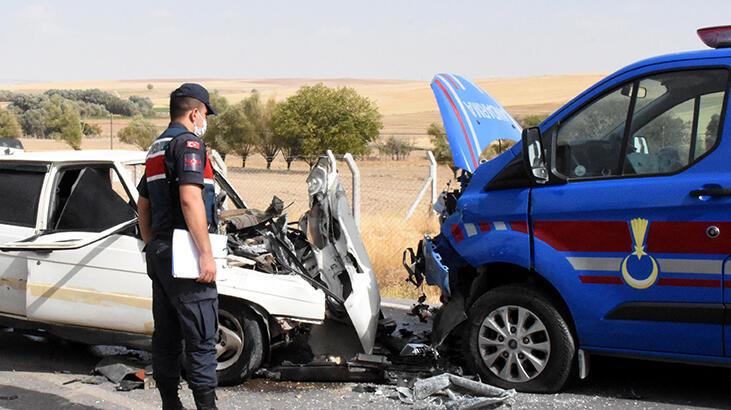 Jandarma aracı ile otomobil çarpıştı: 3'ü jandarma, 5 yaralı