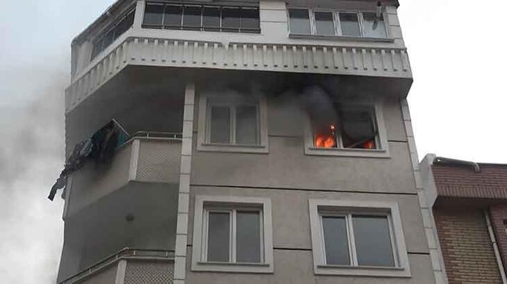 Yangın paniği! Tüm daireyi sardı