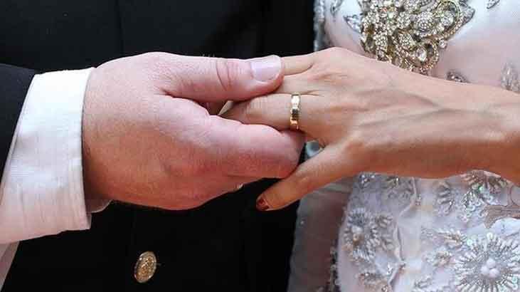 AYM'den 17 yıl boyunca boşanamayan eş için ihlal kararı