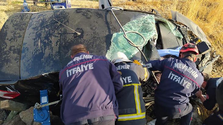 Otomobil şarampole devrildi: Ölü ve yaralılar var