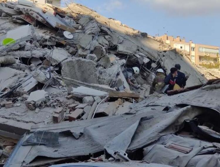 İzmir, son 111 yılda 6 ve üzeri büyüklüğünde 8 deprem yaşadı