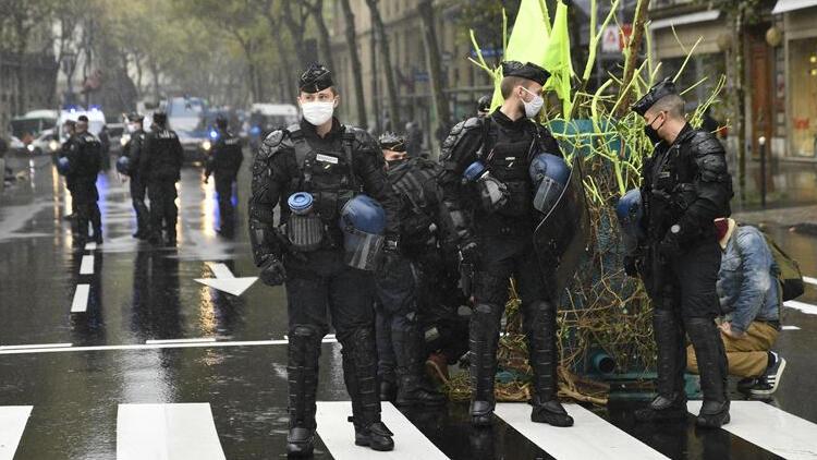 Fransa'da kiliseye saldırı!