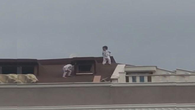 Çocukların çatıdaki tehlikeli oyunu