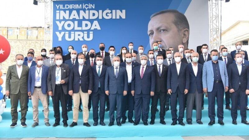 AK Parti Bursa'da ilçe kongrelerini tamamladı