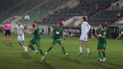 Timsah büyük fırsat tepti… Son dakika penaltısını kaçırdı…