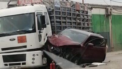 Bursa'da otomobil ile tüp yüklü kamyon çarpıştı! Faciaya ramak kala…