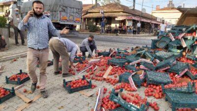 Bursa'da parke taşı yüklü tır, domates taşıyan traktörle çarpıştı