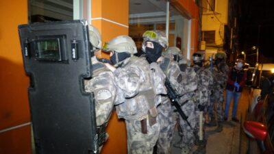 Bursa'da şafak operasyonu: Mahalle ablukaya alındı