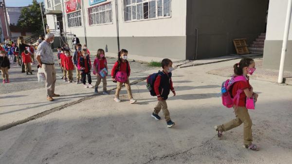 Bursa'da yüz yüze eğitimin ikinci aşaması başladı